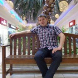 Двадцатилетний парень ищет девушку или женщину для секса без обязательств, в Тюмени.