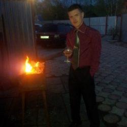 Парень из Тюмени. Ищу пошлую девушку для секса